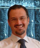 Ι Καρνέζης χειρουργός σπονδυλικής στήλης I Karnezis photo